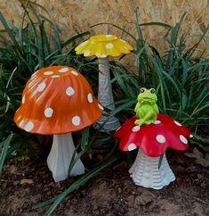 Garden whimsy - 43 Creative DIY Garden Art Design Ideas And Remodel – Garden whimsy Garden Crafts, Diy Garden Decor, Garden Projects, Garden Ideas, Outdoor Garden Decor, Yard Art Crafts, Garden Decorations, Art Projects, Garden Mushrooms