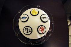 Divergent Cake Divergent Cake, Dress Cake, Fondant, Birthdays, Cakes, Fondant Icing, Birthday, Pastries, Torte