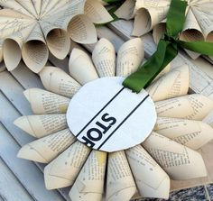 Tutorial on easy DIY old book page wreath