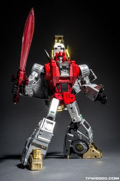Fans Toys Scoria In Hand Gallery - Transformers News - Transformers Action Figures, Transformers Masterpiece, Transformers Robots, Awesome Toys, Cool Toys, Classic Cartoons, Drawing Poses, Retro Toys, Anime
