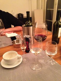 Volles Programm Red Wine, Alcoholic Drinks, Coffee Maker, Treats, Glass, Food, Coffee Maker Machine, Sweet Like Candy, Coffeemaker