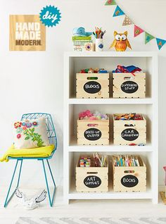 mommo design: 10 diy ideas for a kid's room - wooden crates labels. Girl Room, Baby Room, Creative Toy Storage, Storage Ideas, Deco Kids, Toy Rooms, Wooden Crates, Kid Spaces, Kids Decor