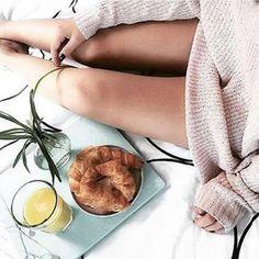 Brekfast in bed with #Bauli croissants