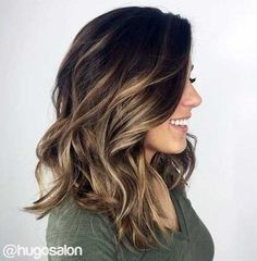 Want to upgrade your hair color? Then you need to try a balayage. Here, 20 gorgeous balayage hair looks that will inspire your next salon visit. Grey Balayage, Hair Color Balayage, Hair Highlights, Brown Highlights, Haircolor, Balayage Brunette Short, Fall Balayage, Balayage Hairstyle, Brunette Highlights Summer