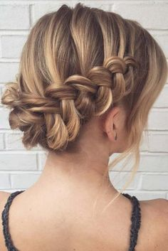 Braided Hairstyles For Short Hair Blonde Layered Wavy Updo