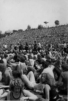 summer of 74 charlton FC stadium 1974 Charlton Athletic, Pop Posters, Football Stadiums, Music Images, Rock Concert, Band Photos, South London, Cd Cover, Old Pictures