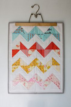 simple mini zig zag quilt.