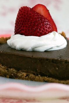 This is your grandma's puddin' pie, only it's vegan — a smooth, cool and creamy pudding in a classic graham cracker shell To make life even easier, you can use a store-bought crust For added grandma love, serve with vegan whipped cream and shaved chocolate