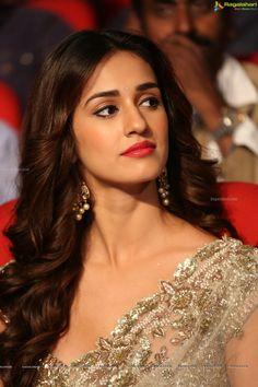 Indian Bollywood Actress, Bollywood Girls, Beautiful Bollywood Actress, Bollywood Celebrities, Beautiful Actresses, Indian Actresses, Bollywood Stars, Indian Celebrities, Beautiful Girl Photo
