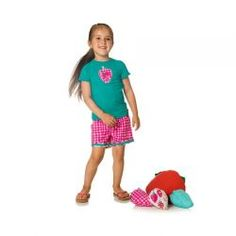 2015 Spring/Summer Fizzy Pop! Shirt and Short Set from #deuxpardeux The best way to celebrate strawberries is by wearing them in this trendy outfit! #3littlemonkeys