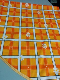 """BUY IT NOW! ALWAYS FREE SHIPPING! Vintage Style Bold Bright Orange 62"""" Round Tablecloth Plaid w/ Daisies  