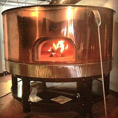 Bill Bricks Wood Fired oven / Le Panyol / Copper Oven Wood Oven, Wood Fired Oven, Wood Fired Pizza, Kitchen Oven, Copper Kitchen, Pizza Machine, Pizza Life, Pizza Truck, Oven Design