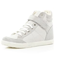 River Island White shearling lined high tops ($20) ❤ liked on Polyvore featuring shoes, sneakers, sale, white shoes, high-top sneakers, white lace up sneakers, white trainers and white hi tops