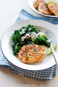 Salmon burgers and sweet potato with millet porridge Polish Recipes, Creative Food, Salmon Burgers, Good Food, Veggies, Food And Drink, Lunch, Meals, Dishes