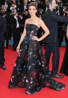 Les plus belles robes du Festival de Cannes Clotilde Courau en robe Elie Saab automne-hiver 2014-2015 et bijoux Bulgari