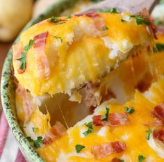Cheesy Stuffed Mashed Potatoes | 16 Homemade Mashed Potatoes Recipes To Enjoy On Thanksgiving | The Best Holiday Recipes for the Whole Family by Homemade Recipes at http://homemaderecipes.com/homemade-mashed-potatoes-recipes/