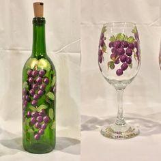 Grape Lighted Bottle, Painted Wine Bottle, Decorative B Painted Wine Bottles, Lighted Wine Bottles, Painted Wine Glasses, Bottle Lights, Glass Bottles, Wine Bottle Images, Wine Bottle Crafts, Bottle Painting, Bottle Art