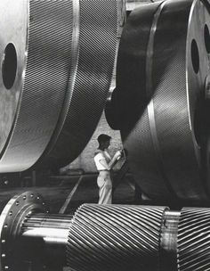 1940 · General Electric Turbine Plant, New York · Alfred Eisenstaedt