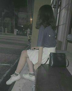 Vài ảnh cũ mik đăng lại hoy P/S:Nhìu ảnh quá nên đăng vợi #ngẫunhiên # Ngẫu nhiên # amreading # books # wattpad Và follow choa tớ nho a<PinkyCat> Short Hair Outfits, Swag Outfits, Cute Outfits, Cute Fashion, Girl Fashion, Fashion Silhouette, Ulzzang Korean Girl, Uzzlang Girl, Korean Beauty