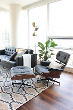 L.A. Transplants Settle Into a Sleek Seattle Apartment | Apartment Therapy