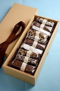 coffe Brownie zu verkaufen Prevention of Pythium Blight If you're in the north and also having peren Bake Sale Packaging, Brownie Packaging, Baking Packaging, Bread Packaging, Dessert Packaging, Chocolate Packaging, Food Packaging Design, Packaging Ideas, Box Brownies