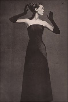 DOVIMA  Givenchy  RICHARD AVEDON