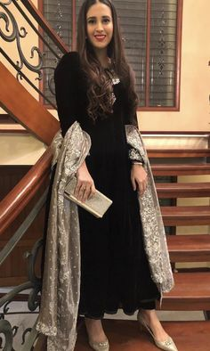 32 Ideas Dress Wedding Guest Black Style For 2019 Source by Outfits indian Trendy Dresses, Nice Dresses, Casual Dresses, Fashion Dresses, Casual Outfits, Indian Wedding Outfits, Indian Outfits, Dress Wedding, Wedding Dinner