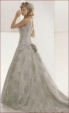 famous wedding gowns   Wedding Dresses Stuart on Famous Bridal Designer Ian Stuart Wedding ...