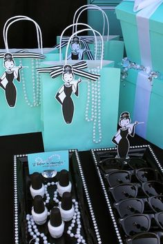 ^^  LAURA'S little PARTY: Breakfast at Tiffany's inspired Quinceanera