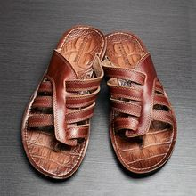 Nuevo 2016 hombres sandalias de cuero genuinos planos ocasionales sandalias de playa zapatillas de verano zapatos casuales tamaño 38-43(China (Mainland)) Leather Slippers, Leather Sandals, New Shoes, Shoes Sandals, Estilo Hippie, Bare Foot Sandals, Huaraches, Swagg, Fashion Boots