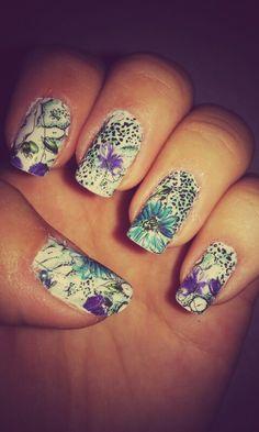 Love the flower pattern! :)