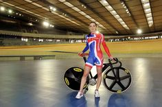 London 2012 Olympics: Victoria Pendleton on posing naked with Zara Dampney ahead of the Games Cycling Wear, Cycling Girls, Olympic Cyclists, Victoria Pendleton, Female Cyclist, Triathlon Training, Bicycle Girl, Bike Style, Sport Girl