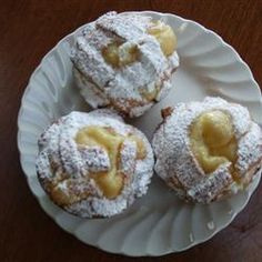 This is an Italian pastry filled with a creamy pudding. I got the recipe from an Italian family I use to work for many years ago. Try different fillings if you desire, chocolate cream or ricotta. Italian Bakery, Italian Pastries, Italian Desserts, Just Desserts, Italian Recipes, Dessert Recipes, Pastry Recipes, Cake Recipes, Cooking Recipes