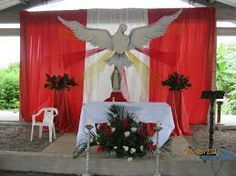 Discover thousands of images about Church decoration for Pentecost Church Flower Arrangements, Church Flowers, Altar Decorations, Christmas Decorations, Holiday Decor, Corpus Christi, Day Of Pentecost, Altar Design, Church Stage Design