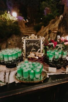 If you two are geeks choosing a wedding theme, why not consider a Harry Potter wedding? Harry Potter books and films are everybody's love – both adults . Harry Potter Motto Party, Harry Potter Fiesta, Cumpleaños Harry Potter, Harry Potter Wedding, Harry Potter Birthday, Wedding Goals, Wedding Themes, Themed Weddings, Wedding Ideas