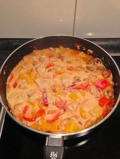 Chicken Recipes Putenpfanne with feta cheese, a tasty recipe with image from the category . Chef Recipes, Turkey Recipes, Chicken Recipes, Healthy Recipes, Turkey Pan, Easy Casserole Recipes, Spaghetti Recipes, Food Design, Queso