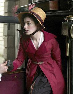 Anne Hathaway as Jane Austen inBecoming Jane (2007).