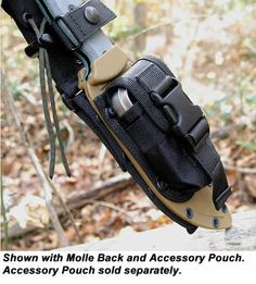 Excellent bushcraft know-hows that all survival fanatics will most likely desire to learn today. This is most important for wilderness survival and will definitely save your life. Tactical Survival, Survival Tools, Survival Knife, Survival Prepping, Doomsday Survival, Bushcraft Knives, Tactical Knives, Tactical Gear, Wilderness Survival