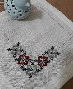 This Pin was discovered by Öze Cross Stitch Bird, Cross Stitch Borders, Cross Stitch Flowers, Cross Stitch Designs, Cross Stitching, Cross Stitch Patterns, Crewel Embroidery, Hand Embroidery Designs, Cross Stitch Embroidery