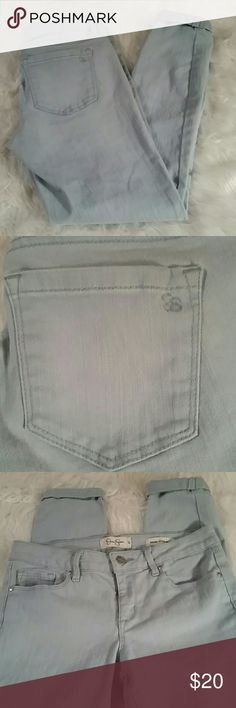 CUTE JESSICA SIMPSON JEANS These cute pants are in excellent condition.  Forever rolled skinny cropped style. Inseam is 24 inches. Jessica Simpson Pants Skinny