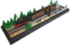 LEGO train (by milesfinlay)