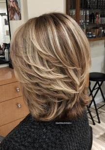 17 Best ideas for hair blonde layers long Classy Hairstyles, Older Women Hairstyles, Modern Hairstyles, Modern Haircuts, Stylish Haircuts, Medium Hair Cuts, Medium Hair Styles, Curly Hair Styles, Haircut Medium