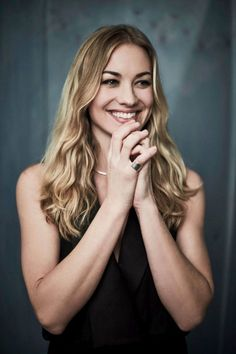Yvonne Strahovski Hot Body Sexy Pictures Bikini Feet Leaked Wallpapers Hottest Young Actresses, Hottest Female Celebrities, Yvonne Strahovski, Old Actress, Beauty Full Girl, Bikini Photos, Hot Bikini, Hottest Photos, Celebrity Photos