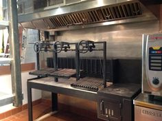 Journeyman Restaurant, somewhere in Massachussets. 3 Grill Grates, Brasero, and a griddle with independent firebox. Barbacoa, Argentina Grill, Santa Maria Grill, Restaurant Design, Restaurant Ideas, Fire Grill, Grill Grates, Fire Table, Grill Design
