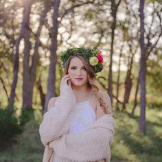 Bohemian inspired Senior Portraits by belladebeau.com #senior #portrait #boho #girl #freepeople #urbanoutfitters #flowercrown #sanantonio #austin #hillcountry #boerne #photographer #cibolonaturecenter