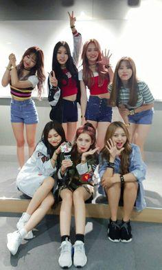 I miss ioi J Pop, Kpop Girl Groups, Korean Girl Groups, Kpop Girls, Ioi Nayoung, Ioi Members, Kim Chungha, Jeon Somi, Korean Girl Fashion
