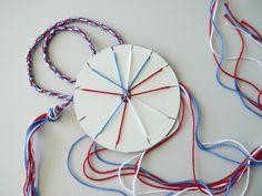 Finition bracelet tissé avec rondelle en carton