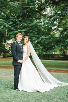 The husband and wife team that make up Sterling Imageworks, an amazing Memphis photography company, know how to capture a wedding and all of it's fabulous details.  Click the image and contact them today about their wedding photography packages. Photo credit: Sterling Imageworks