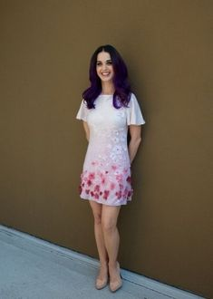 Thus, take a glance and admire the best Katy Perry looks listed below. Russell Brand, Disfraz Katy Perry, Katy Perry Albums, Katy Perry Pictures, Fashion And Beauty Tips, Girls In Love, Street Style Looks, Red Carpet Fashion, Ideias Fashion