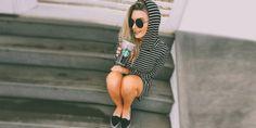 15 Poses con mucha actitud que puedes hacer para Instagram